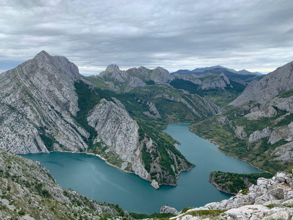 PIcos Mountains
